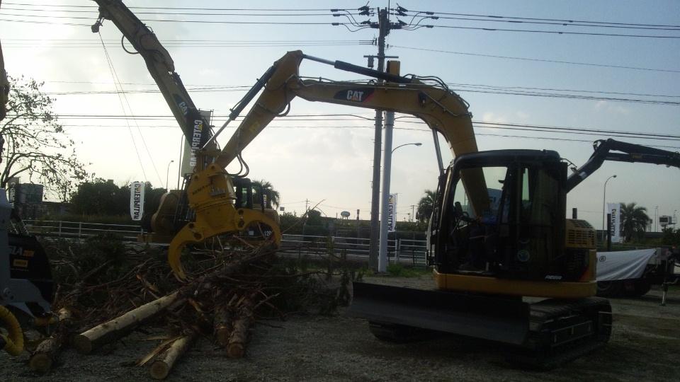 林業機械のベースマシン